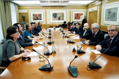 Reunión de la ministra de Sanidad, Servicios Sociales e Igualdad, Ana Mato, con el CERMI