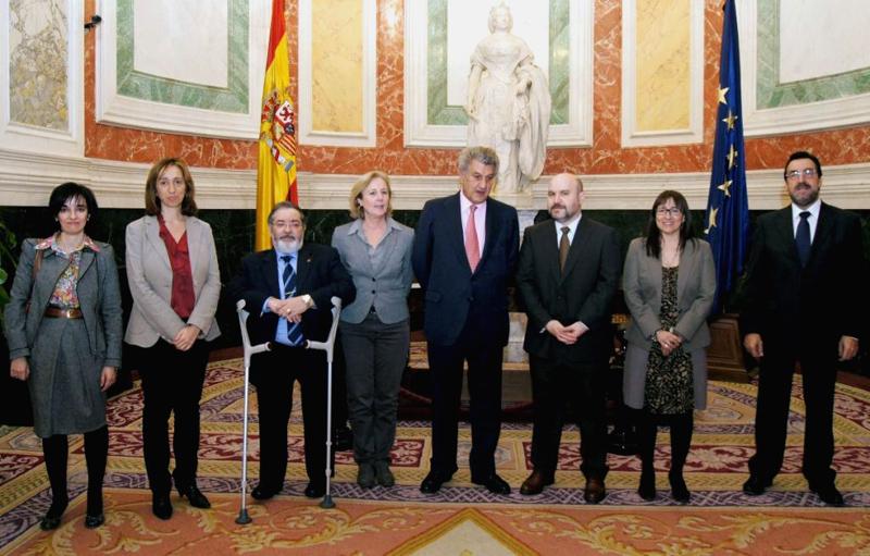 Foto de familia tras la reunión del CERMI con Jesús Posada