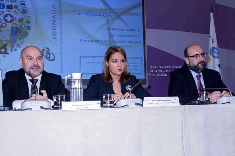 Luis Cayo Pérez Bueno, presidente del CERMI, Susana Camarero, secretaria de Estado de Servicios Sociales e Igualdad y Miguel Borra, presidente del CSI-F