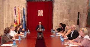 El  presidente Bauzá y dos consejeros reciben al CERMI balear
