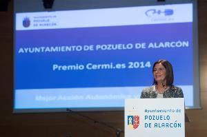 """La alcaldesa de Pozuelo de Alarcón recoge el Premio nacional """"Cermi.es 2014"""" otorgado a la """"Mejor acción local"""" en materia de discapacidad"""