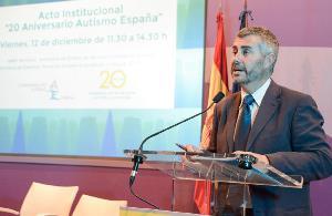 Miguel Ángel Oliver, editor de informativos Cuatro 2, presentador del acto de celebración de los 20 años de Autismo España
