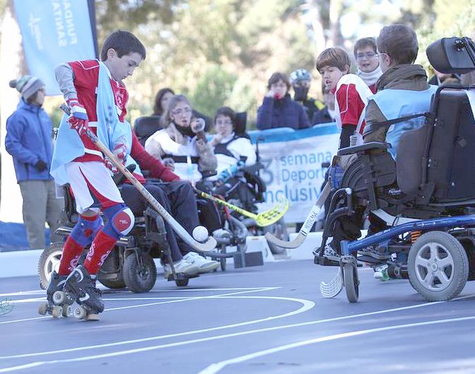 Hockey sobre patines inclusivo. Imagen del CEDI