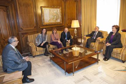 Reunión en la Asamblea regional de Murcia