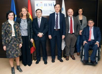 Rafael Hernando, portavoz del Grupo Popular, se reúne en la sede del CERMI con el presidente, Luis Cayo Pérez Bueno, y otros representantes de la entidad