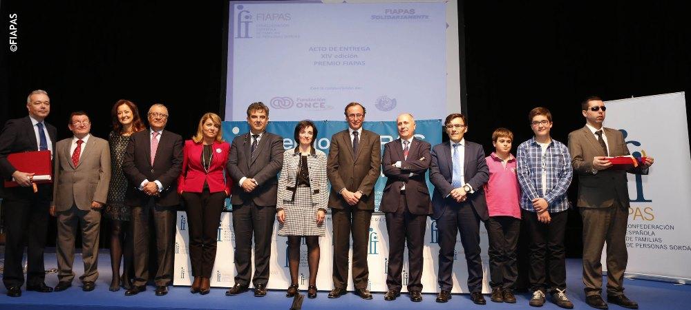 Foto de familia del acto de entrega de los Premios Fiapas de Investigación en Deficiencia Auditiva 2014