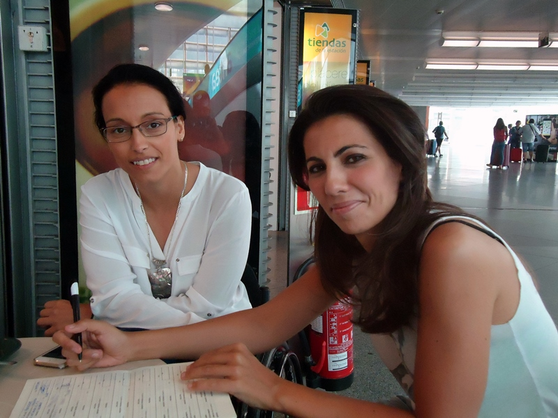La atleta Teresa Perales y la periodista Ana Pastor se suman a la ILP contra el copago