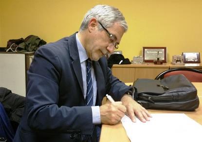 Con esta iniciativa el CERMI pretende recoger 500.000 firmas para presentar una Iniciativa Legislativa Popular (ILP) que modifique de la Ley de Autonomía Personal, de manera que se establezcan unos cr