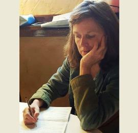 La artista plástica, Ouka Leele, se suma a la ILP contra el copago en dependencia