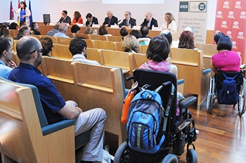 Momento de la presentación de la 'Guía universitaria para estudiantes con discapacidad' (foto cedida por la UNED)