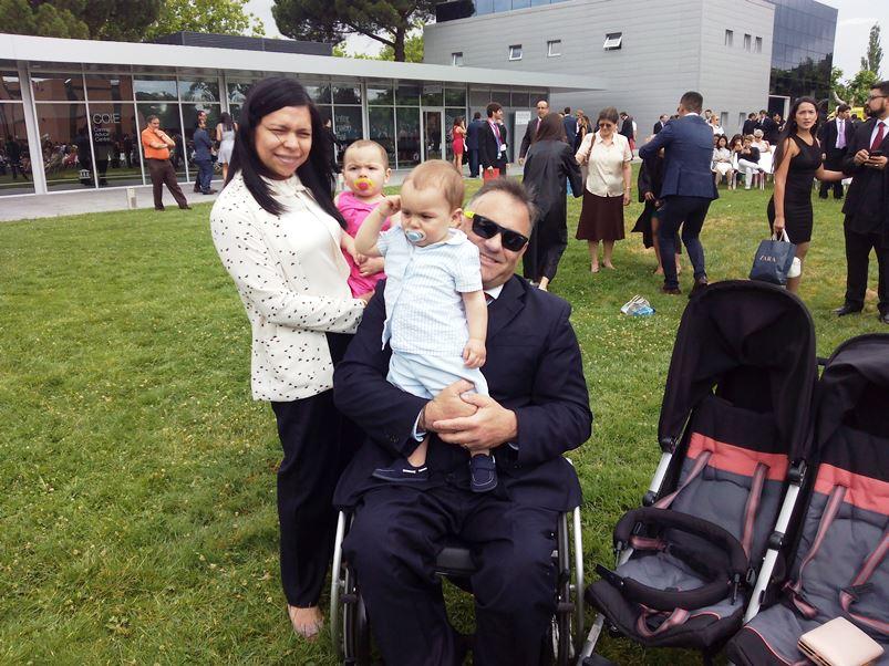 Manuel Escourido, concejal de As Pontes, con su familia