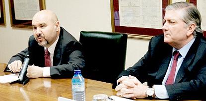 Luis Cayo Pérez Bueno, presidente del CERMI y Joan Carles Ollé Favaró, vicepresidente del Consejo General del Notariado