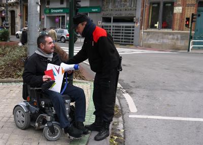 Javier Miranda, ex presidente del CERMIN, en pleno activismo callejero