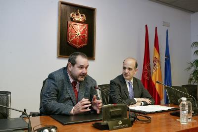 Javier Miranda, ex presidente del CERMIN, en el Parlamento navarro