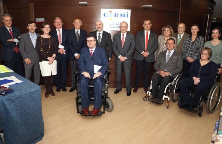 Cristóbal Montoro reunido con el CERMI y responsables de la Plataforma del Tercer Sector