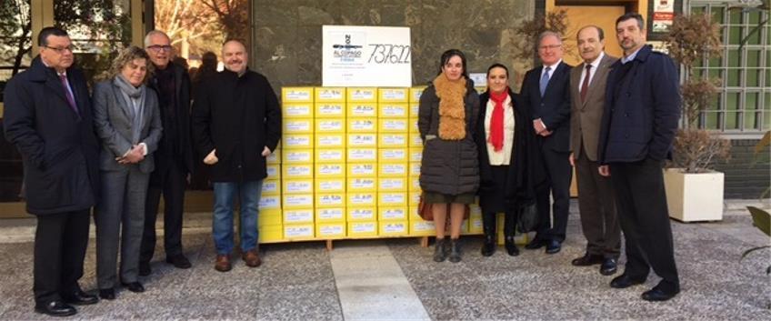 El CERMI entrega las más de 737.000 firmas que ha recabado para presentar una ILP contra el   copago en dependencia