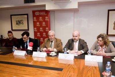 Firma de la alianza estratégica entre el CERMI y la Fundación Española de la Tartamudez