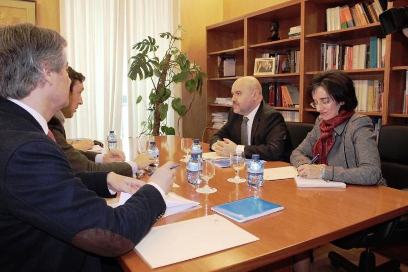 Reunión del CERMI con el Portavoz del GPP en el Congreso, Rafael Hernando