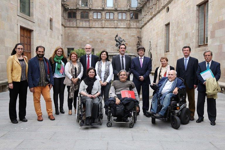 El sector catalán de la discapacidad pide a Puigdemont la constitución urgente del Consejo de la Discapacidad de Catalunya