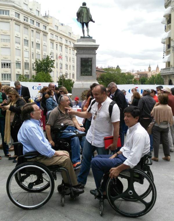 Momento del acto cívico preparado por el CERMI #Votaparaquevotemos