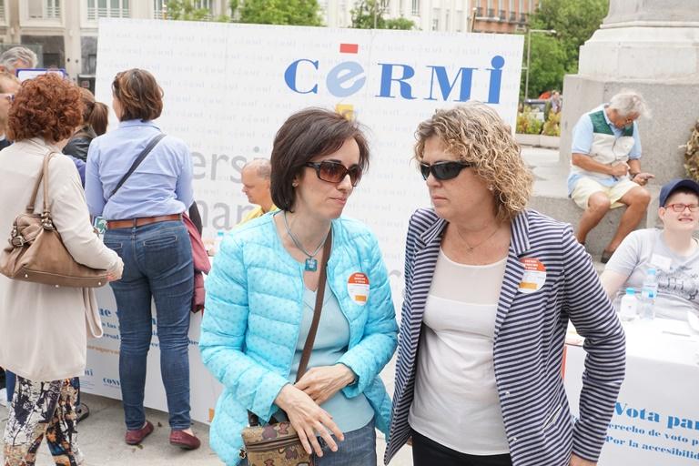 Pilar Villarino, directora ejecutiva del CERMI junto a Teresa Palahí, comisionada de CERMIS Autonómicos