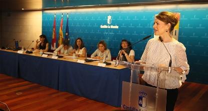 La consejera de Bienestar Social, Aurelia Sánchez, en la presentación de la Fundación CERMI Mujeres en Castilla-La Mancha