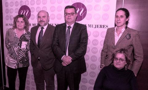 Foto de familia en el acto del convenio firmado entre la FCM y la Fundación ONCE
