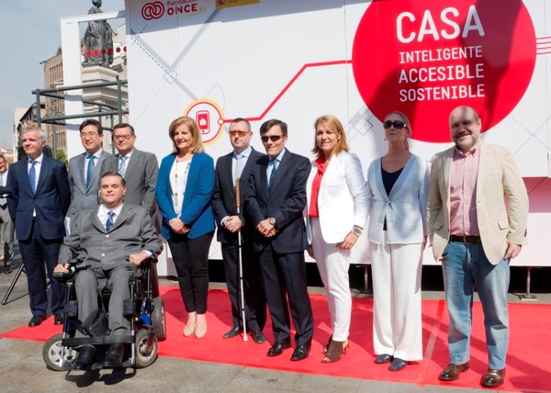 La ministra de Empleo y Seguridad Social en funciones, Fátima Báñez, en la presentación en Madrid de la casa inteligente, accesible y sostenible de Fundación ONCE