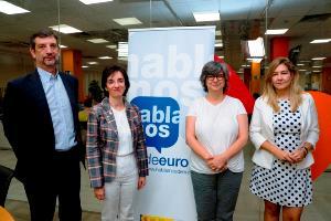Foto de familia de la mesa de debate 'El binomio pobreza energética y discapacidad'
