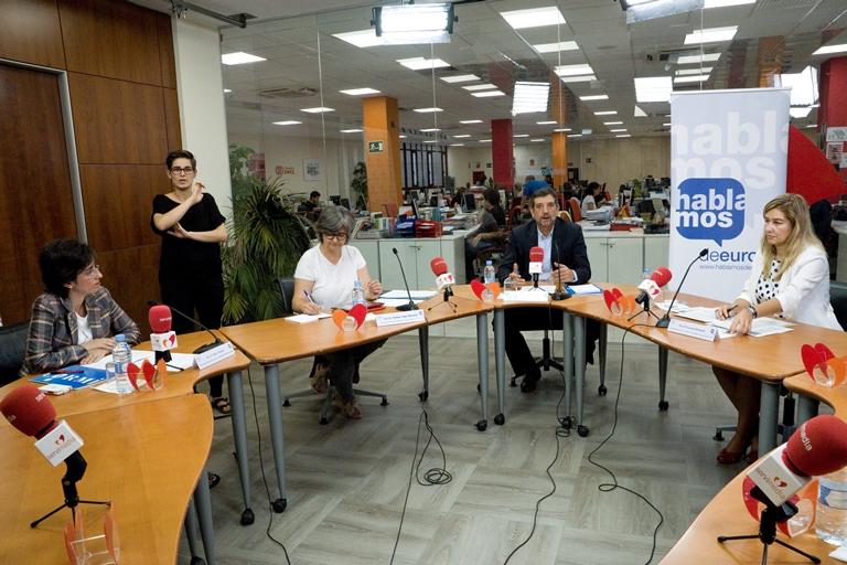 Imagen durante la mesa de debate 'El binomio pobreza energética y discapacidad'