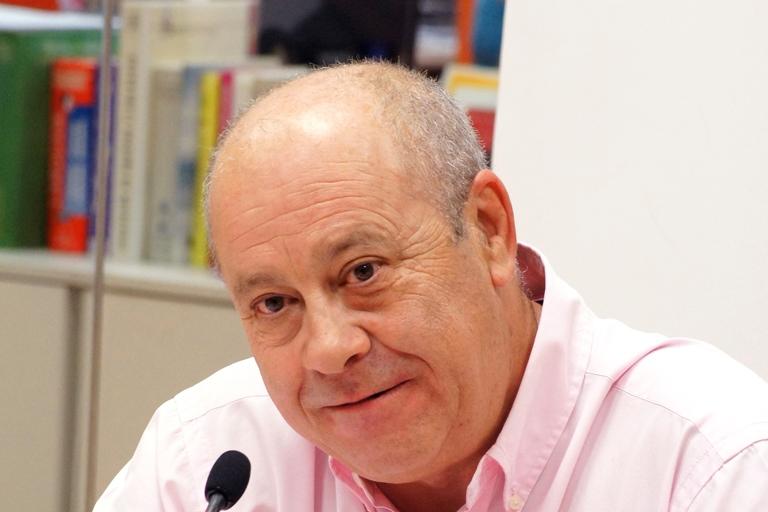 Arturo San Román Ferreiro, Experto en Comunicación Social