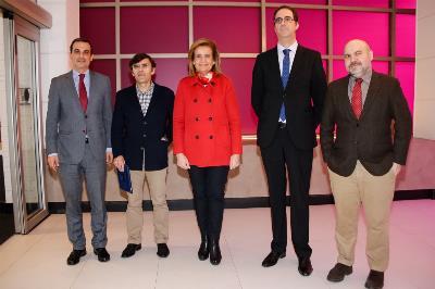 La ministra de Empleo y Seguridad Social, Fátima Báñez, visita el Hotel Ilunion Suites Madrid, en el Día Internacional de las Personas con Discapacidad. Visita promovida por el CERMI