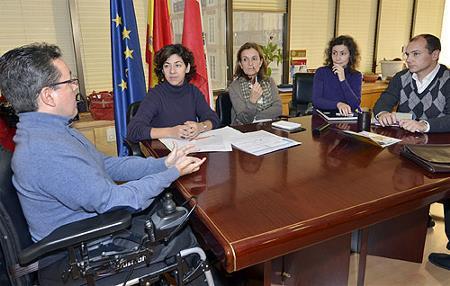 Roberto del Pozo, en una reunión de trabajo sobre viviendas accesibles