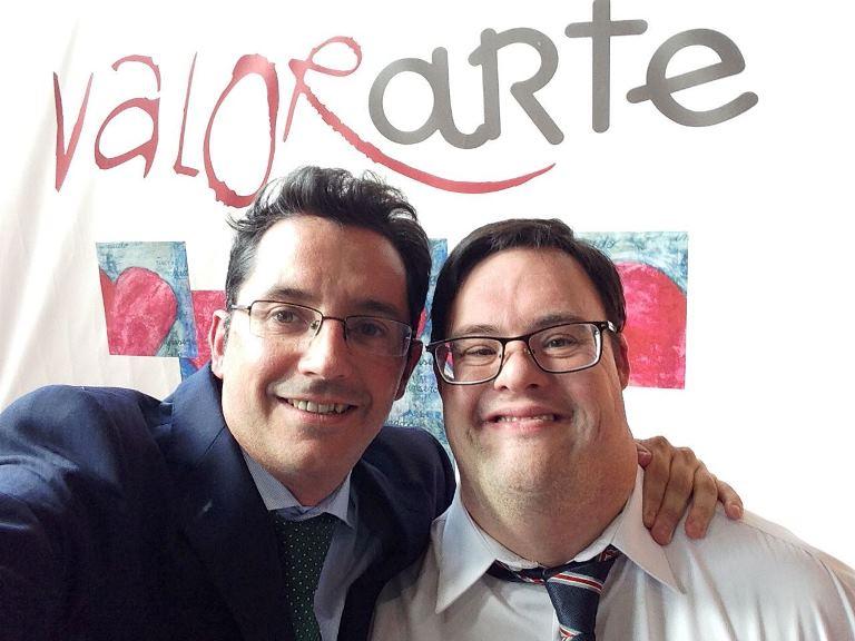 Alfonso Gutiérrez, presidente de AESE con su hijo