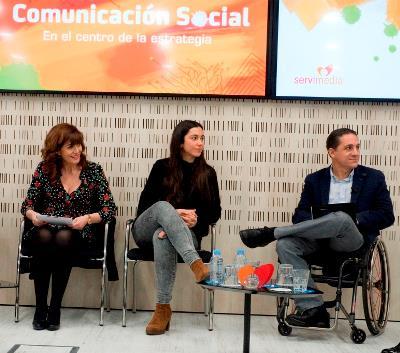 Pilar Marqués, directora de Comunicación de Servimedia, María Peña, Comunicación de la Consejería de Políticas Sociales y Familia de la Comunidad de Madrid y Juan Antonio Ledesma, de la CERMI