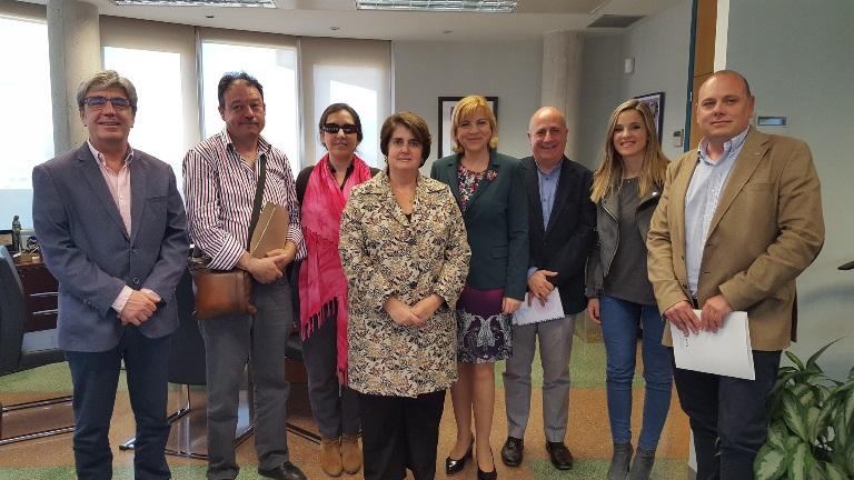 Reunión de la consejera Violante Tomás con los miembros del CERMI para analizar el decreto de Atención Temprana