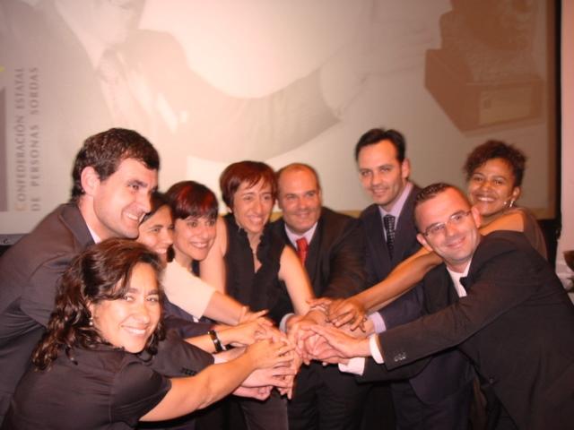 Amparo Minguet con miembros de la CNSE