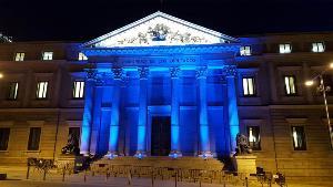 El Congreso de los Diputados iluminado de azul en el día mundial del autismo