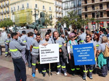 Unas 1.500 personas se concentran en Valencia para reivindicar el derecho al trabajo de las personas con discapacidad
