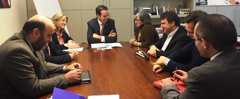 Íñigo Alli,Portavoz de la Comisión para las Políticas Integrales de la Discapacidad, reunido con el CERMIN