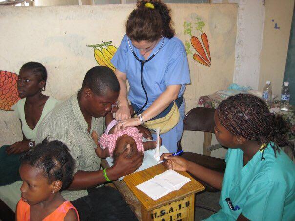 Mónica Estacio, médico en Haití