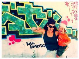 Mónica Estacio con su hijo Isaac
