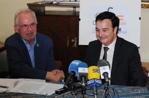 Jesús Gumiel, presidente de Cocemfe Badajoz, con Miguel Ortega, de Plena Inclusión Extremadura