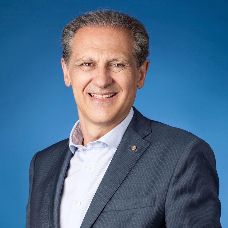 """José Manuel González Huesa, director de """"cermi.es semanal"""" y director general de Servimedia"""