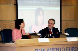 Imagen de la inauguración de la conferencia, a cargo del  director de la Representación de la Comisión Europea en España, Francisco Fonseca