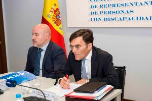 Luis Cayo Pérez Bueno, presidente del CERMI y Alberto Durán, secretario general del CERMI, en la reunión del jurado de los Premios cermi.es 2017