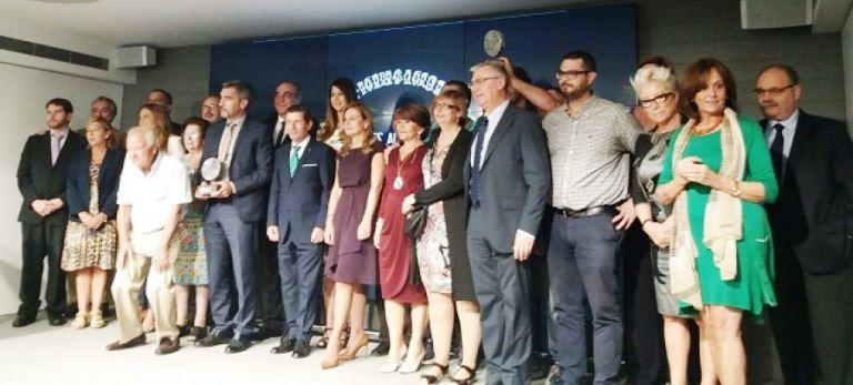 El presidente de CERMI Andalucía entrega el premio FEAFES Andalucía Salud Mental 2017 a la Fundación La Caixa en la Modalidad de Empresa