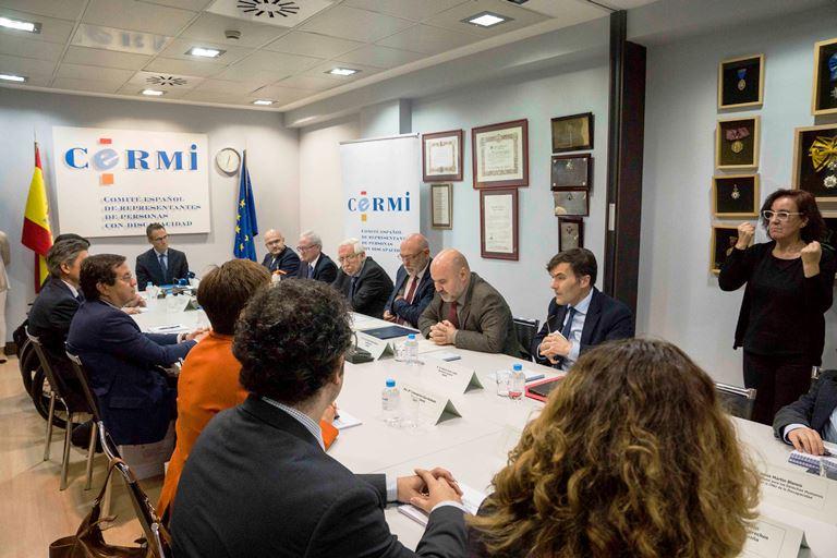 La Fiscalía General del Estado y CERMI firman un convenio para proteger los derechos de personas con discapacidad