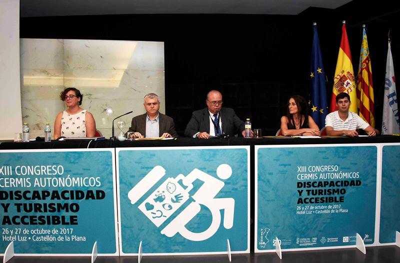 Lectura de la 'Declaración de Castellón' en el XIII Congreso de CERMIS Autonómicos