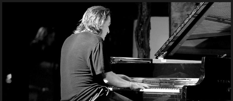 Dorantes, pianista flamenco